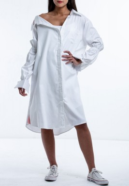 قميص أبيض مطرز بطول الركبة