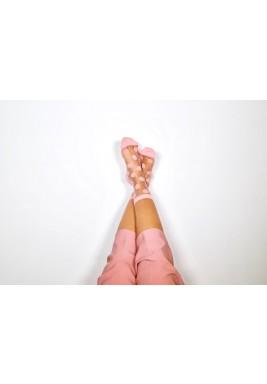 جوارب ميا الوردية المنقطة