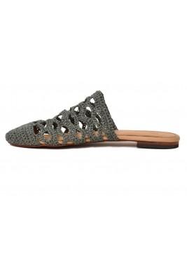 حذاء هلا الرمادي بخام محاك يدويا