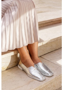 حذاء رمال الفضي بمقدمة مربعة