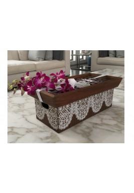 صندوق هدية  بني كبير مع الزهور و الشوكولاتة