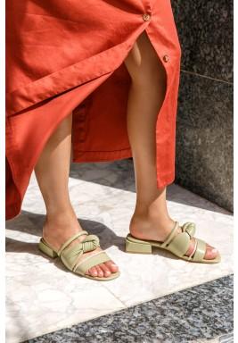 حذاء صفا الزيتي متعدد الأربطة