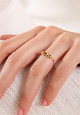 """خاتم من الذهب بكتابة """" xoxo """""""