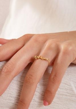 """خاتم """"سر حبي"""" من الذهب"""