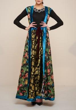 فستان من حرير التافيتا