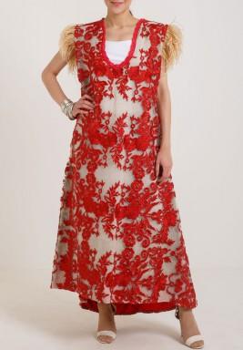 فستان أبيض وأحمر من التول