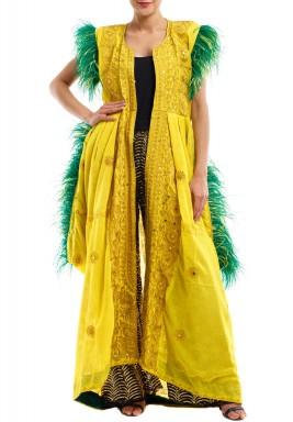 ثوب أصفر مع بنطال