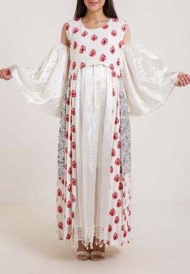 بشت أبيض مع تطريز زهور بمخمل أحمر