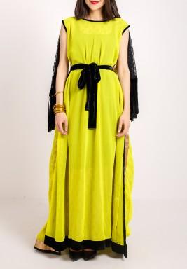 فستان أصفر مطرز بظهر مفتوح