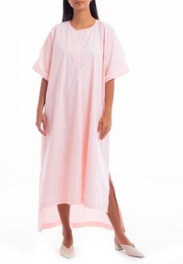 فستان وردي متباين الطول
