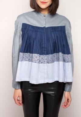 تنورة زرقاء بتصميم الملابس المرقعة من دودلاج