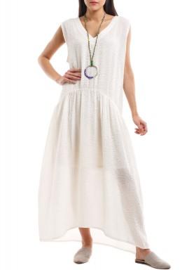 فستان مويرين الأبيض بدون أكمام مع عقد