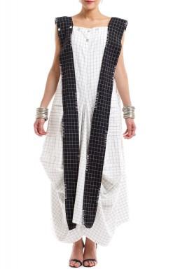 فستان بنمط مربعات بربطة طويلة