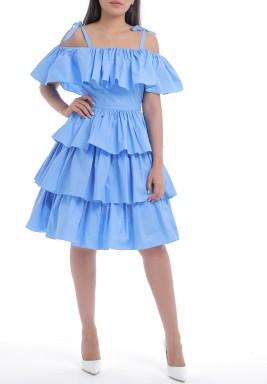 فستان أزرق متعدد الطبقات برفرفات