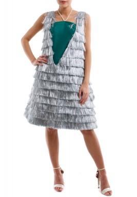 فستان الأهداب الفضية