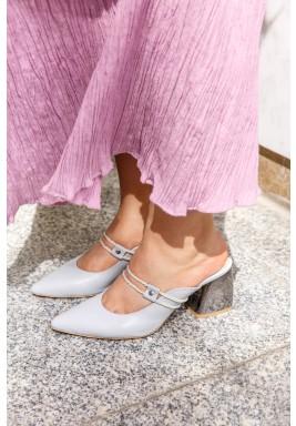 حذاء صوفانا الرمادي بمقدمة مدببة