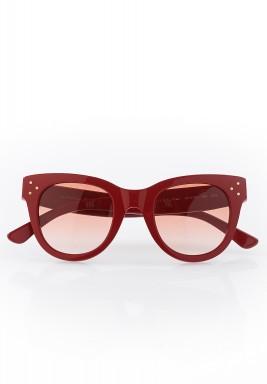 نظارة شمسية بإطار أحمر