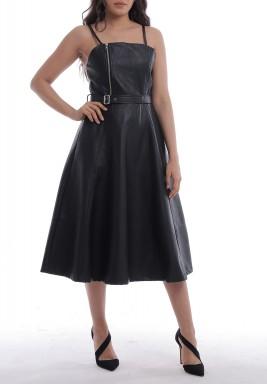 فستان أسود جلد بحمالات رفيعة