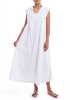 فستان أبيض مطرز بقبعة خلفية