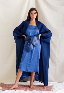 طقم فستان وبشت أزرق فضفاض