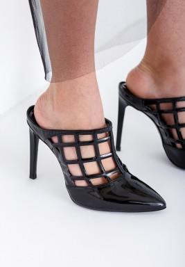حذاء وردة الأسود بكعب عالي