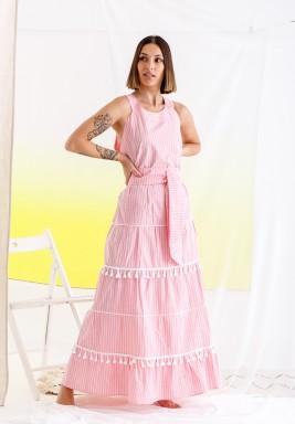 فستان وردي مخطط بشراشيب