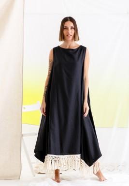فستان أسود بشراشيب بدون أكمام