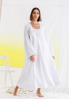 فستان أبيض بياقة V