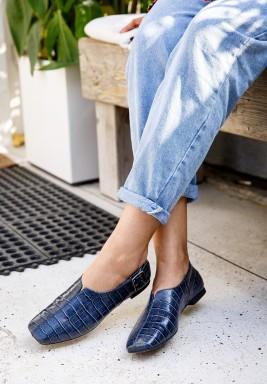 حذاء سولينا الكحلي بنمط جلد تمساح