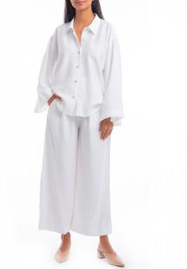 طقم أبيض قميص وبنطال واسع