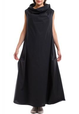 III - فستان الياقة أسود - بطلب مسبق