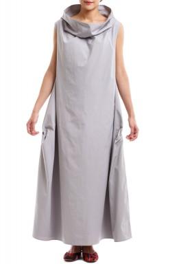 II: فستان الياقة رمادي