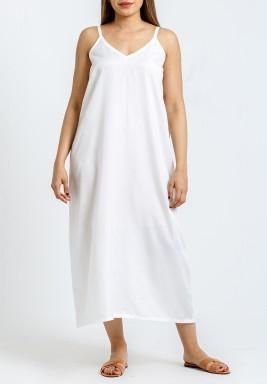 فستان داخلي أبيض متوسط الطول