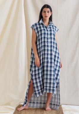 فستان أزرق كاروهات بدون أكمام